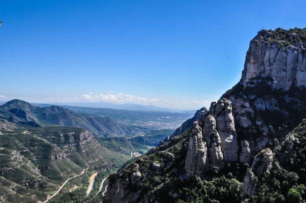 https://shkudun.com.ua/images/thumbnails/images/Travelling/Spain/Montserrat/_2_Montserrat_view2-610x405.jpg