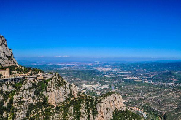 https://shkudun.com.ua/images/thumbnails/images/Travelling/Spain/Montserrat/_3_Montserrat_view3-610x405.jpg
